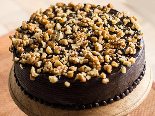 chocolate-nut-cake-D